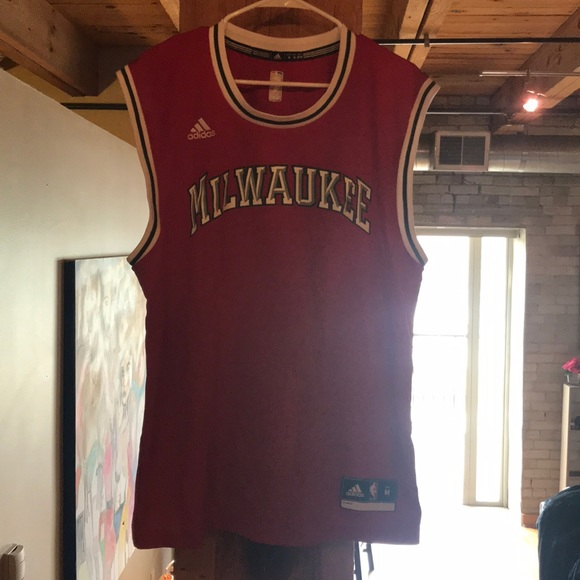 wholesale dealer 746fe d9a00 Old School Milwaukee Bucks Jersey